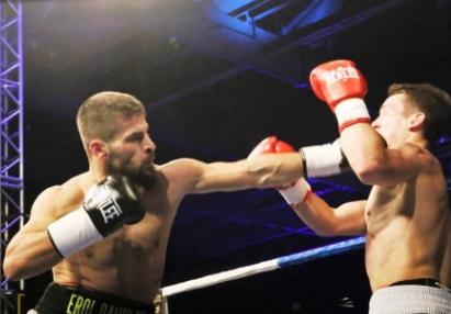 Spektakuläre Boxgala in Göppingen – Arslan schlägt Seferi – Karo Murat KO-Sieger