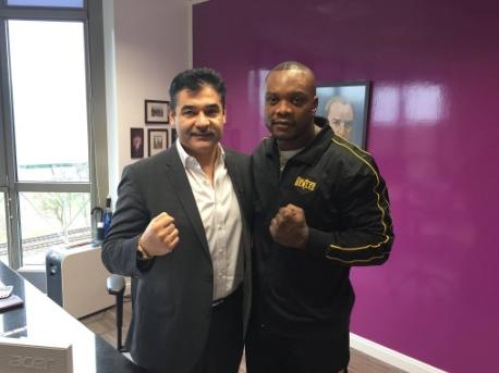 EC Boxing nimmt weiteren Schwergewichtler unter Vertrag