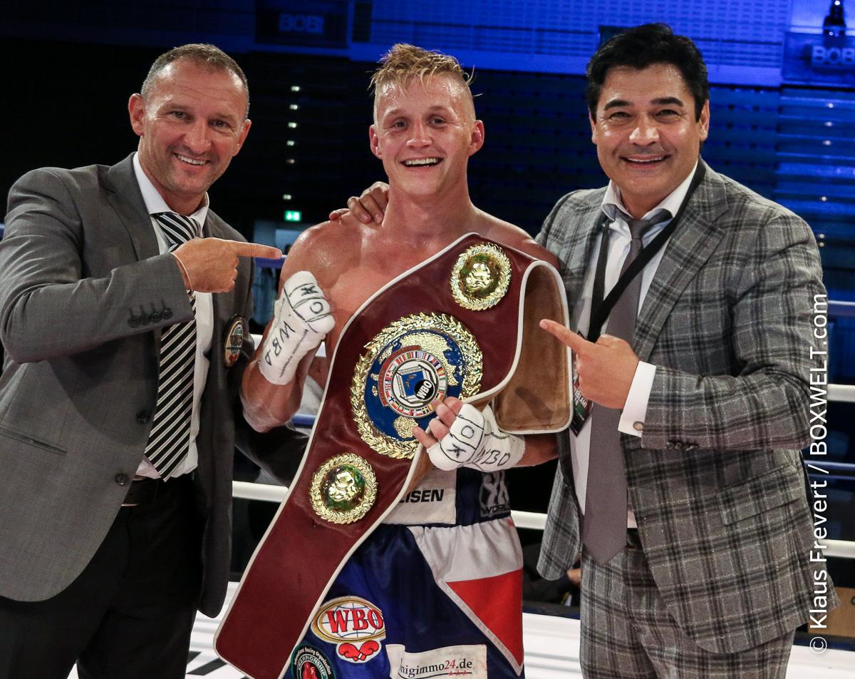 Sebastian Formella und Ali Eren Demirezen verteidigen ihre WBO-Titel durch vorzeitige Siege