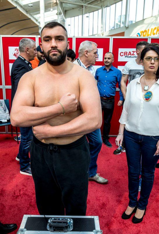 Ali Eren Demirezen gestaltet Ring-Rückkehr siegreich