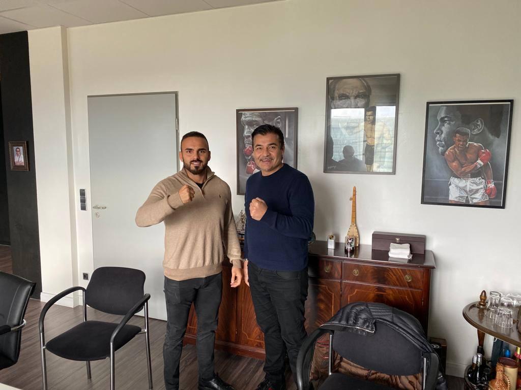 Alpay Yaman steigt ab jetzt für EC Boxing in den Ring