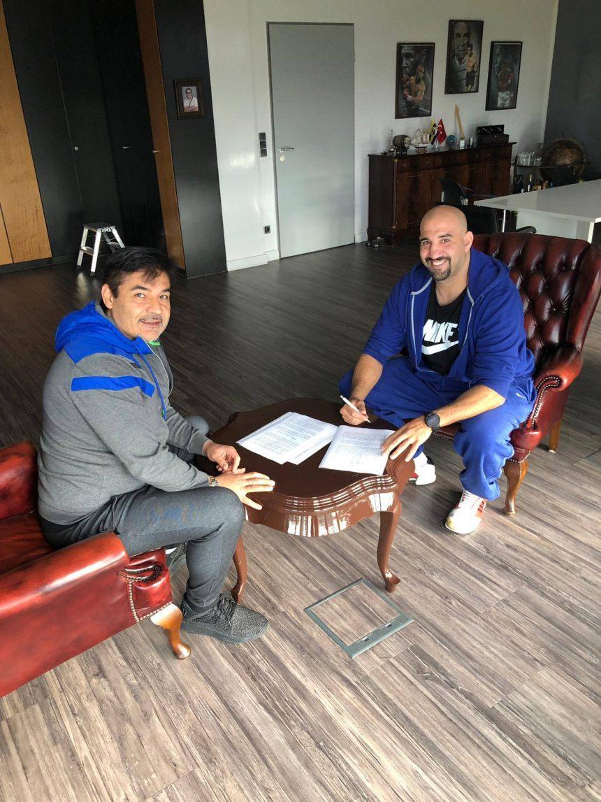 Erkan Teper unterschreibt langfristigen Vertrag bei EC Boxing