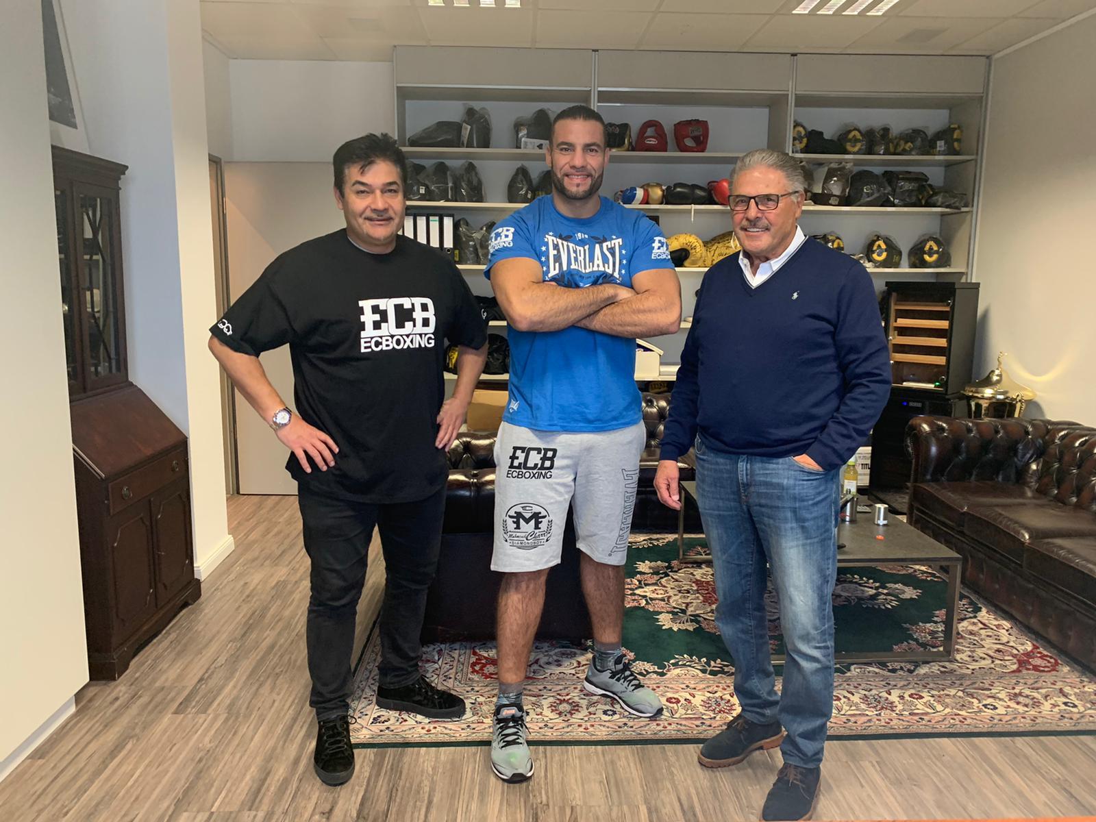 Mahmoud Charr und sein Beraterteam spenden der Stadt Köln 200 000 Masken